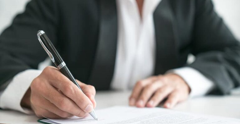 what does a conveyancer do